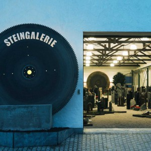 Dassel Ausstellung Steingalerie Grabstein