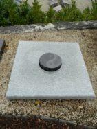 90037 Urnengrab Wiskont Weiss Indisch Black Form UR 119 14 Außenmaß 100x100cm