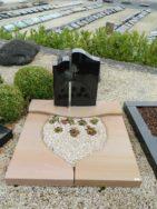 90045 Urnengrab Wonder Wood Indisch Black Form 93 13 Außenmaß 100x100cm