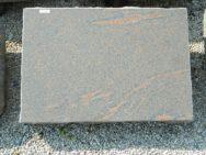 L 179 Liegestein Halmstad Poliert Bossiert 65x45x18cm