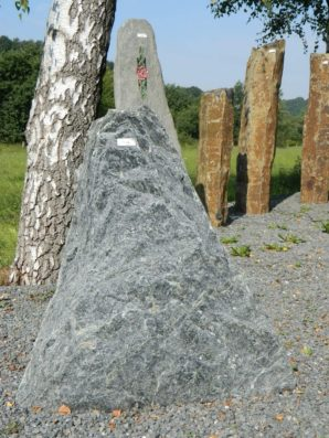 T 116 Felsen Tauern Gruen 70x16x83cm