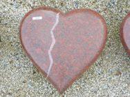20359 Liegestein Ruby Red H4b Poliert Geriffelt Gebuerstet 40x40x10cm