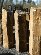 B 835 Basaltsäule 27x28x107cm