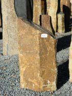 B 842 Basaltsäule 30x27x55cm