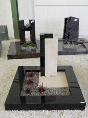 SF UR 8 Urnengrabanlage Indisch Black Gohara Limestone Poliert Form SF 2013.09