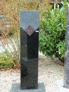 0879 Oberteil Ind.Black Iron Red Form 22 19 25x14x90cm 25x14x25cm 10x10x15cm