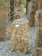 B 973 Basaltsäule 26x26x45cm