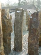 B 898 Basaltsäule 19x15x94cm